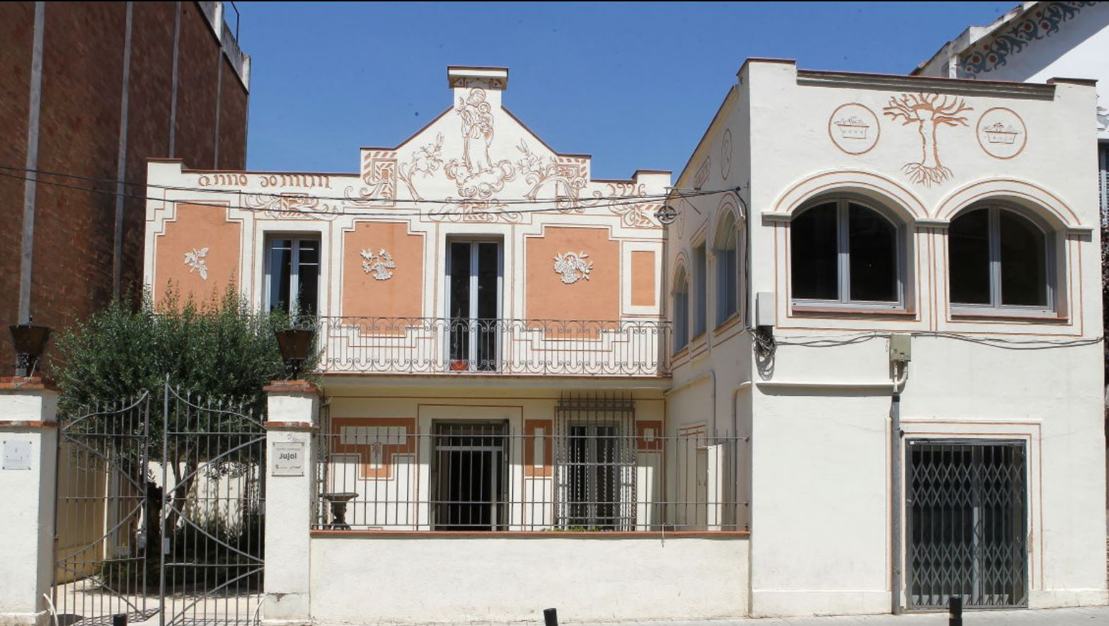 Fachada Casa Rovira
