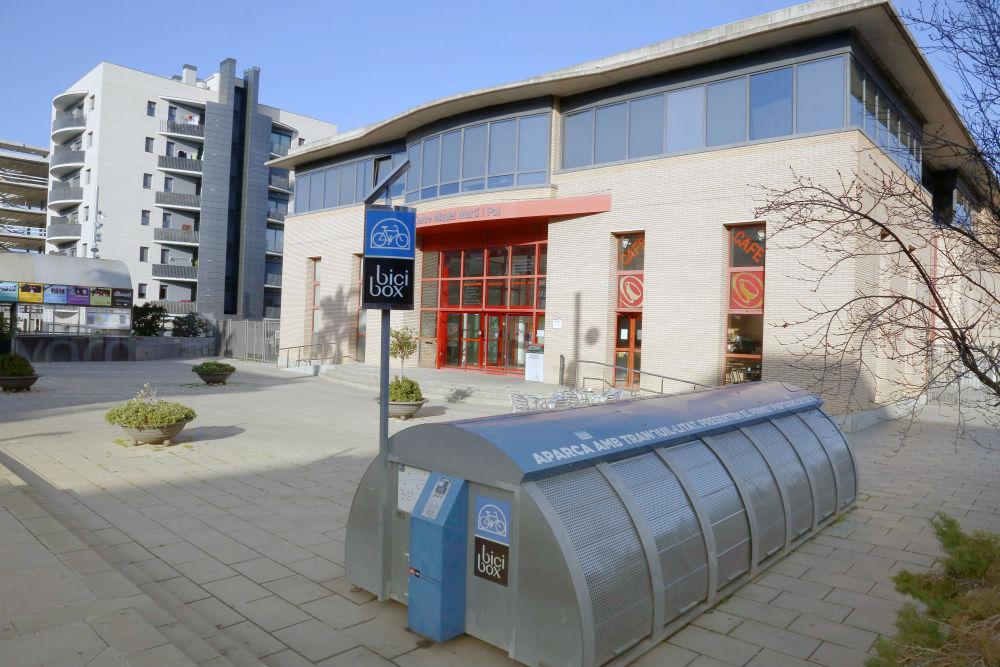 L 39 oficina local d 39 habitatge tamb assessora sobre les for Oficina habitatge sant marti
