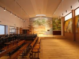 Interior de la nova parròquia de la Mare de Déu del Carme