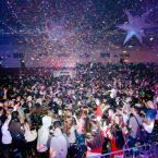 La Festa Jove de Carnaval al poliesportiu del Mig