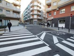 Imatge del carrer d'Àngel Guimerà, tot just acabar les obres