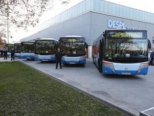 Els nous autobusos, més grans, que s'incorporaran a la L46