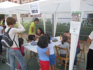 El Grup d'esplai El Tricicle organitzarà tallers de xapes i maquillatge a la festa del 25è aniversari de l'Associació de Veïns Residencial Sant Joan