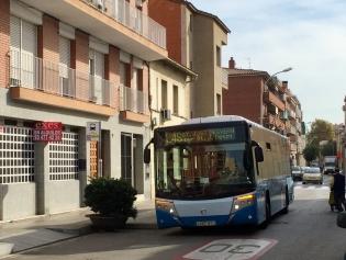 Autobús L46 en su paso por el Carrer Major
