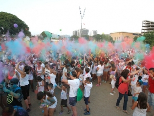 La Festa Holi de colors es va celebrar el passat dia 4