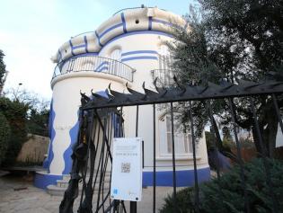 Los QR dan información de edificios modernistas como la Torre de la Creu
