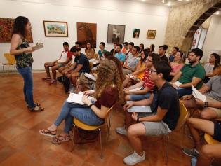Els joves del Work Experience, en una sessió formativa