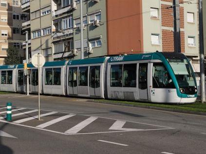 L'Ajuntament aposta per la connexió de les dues línes de tramvía