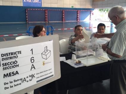 Un votante, en el Salvador Gimeno