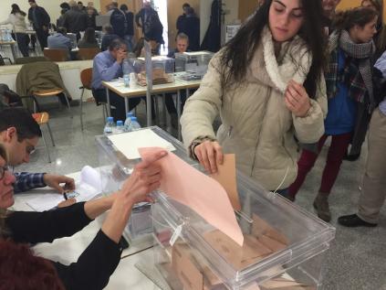 Los colegios electorales cierran a las 20 horas